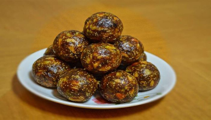 Date and Nut Laddoos